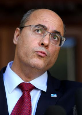 Tribunal julga impeachment do governador afastado Wilson Witzel